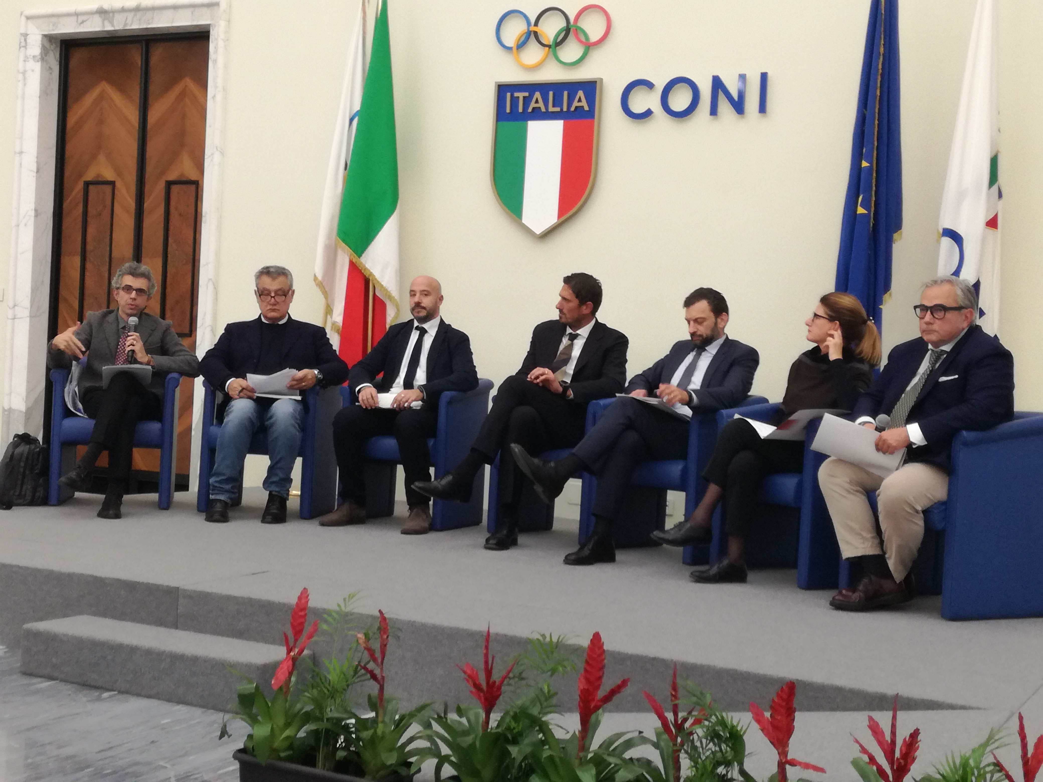 tavolo relatori al convegno CONI